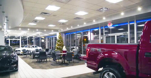 Chuck Anderson Ford Showroom